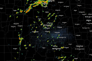 Scattered Showers & Storms Throughout Central Alabama At Midday