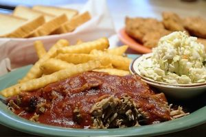 Top Hat Barbecue Smokes Its Way Onto List Of 100 Dishes To Eat In Alabama Before You Die