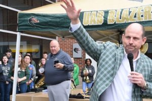Fans Give UAB Blazers A Warm Sendoff For Upcoming Boca Raton Bowl