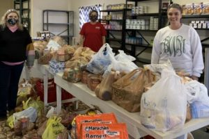 Alabama Newscenter:  Alabama Power Employees Brighten Holidays With Food Donation To Revival Center Pantry