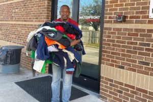 Alabama Newscenter — Alabama Power Service Organization Coat, Blanket Drive Helps Mobile-Area Homeless
