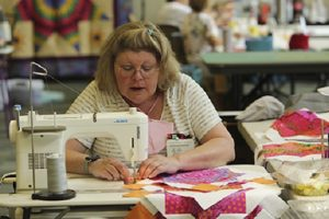 Alabama NewsCenter — Alabama quilters escape to Lay Lake for 'Building Better Quilts 2021'